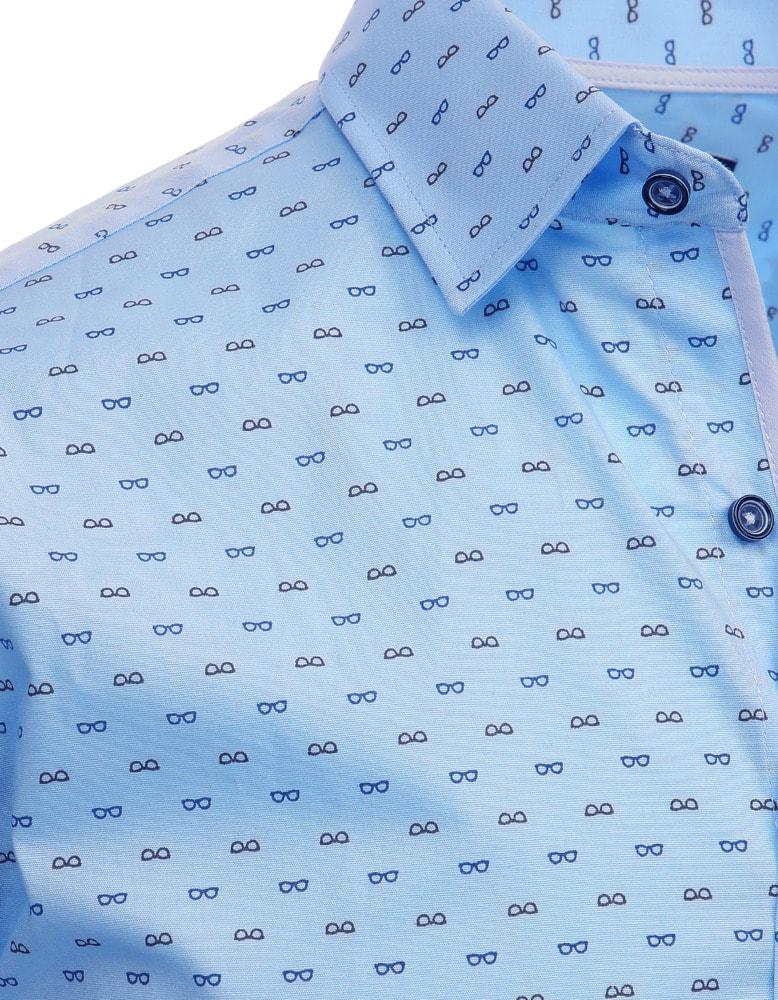 Světle modrá pánská košile s nenápadným vzorem - Budchlap.cz 3e5d58cf9d