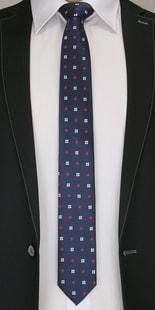 Tmavě modrá pánská kravata s květy